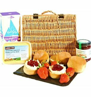 Strawberry Cream Tea Hamper