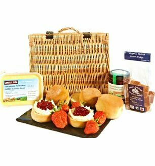 Cream Tea & Fudge Hamper