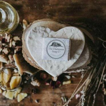 Dartmoor Soap Company Ceramic Heart Soap Dish Set